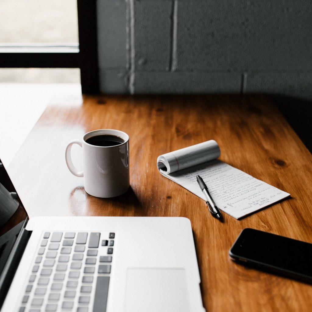 ordinateur portable rédaction de contenu