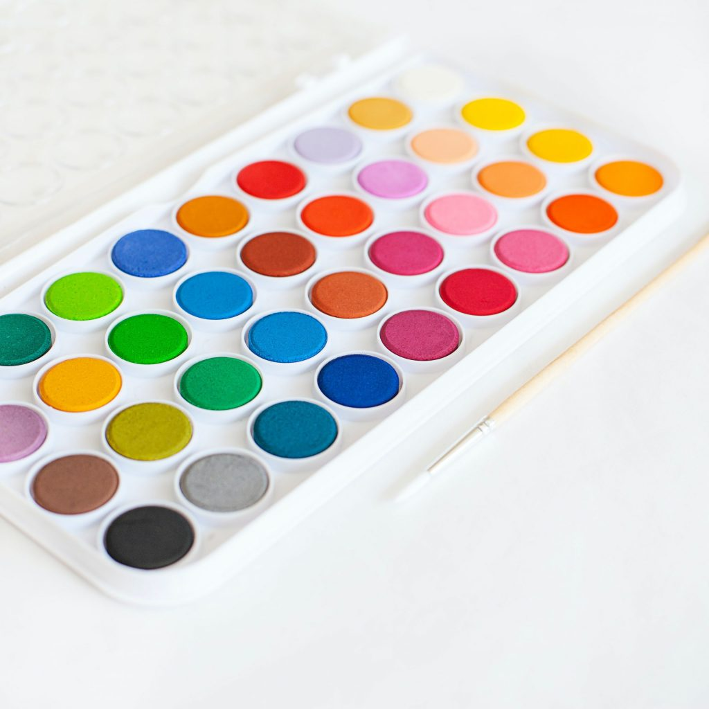 palette de peinture multicolore